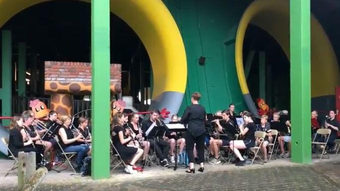 Klein Harmonieorkest & KZHM in Wunderland Kalkar